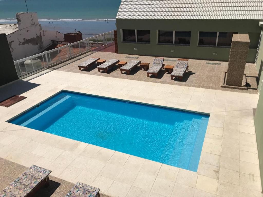 A view of the pool at Hotel Riviera or nearby