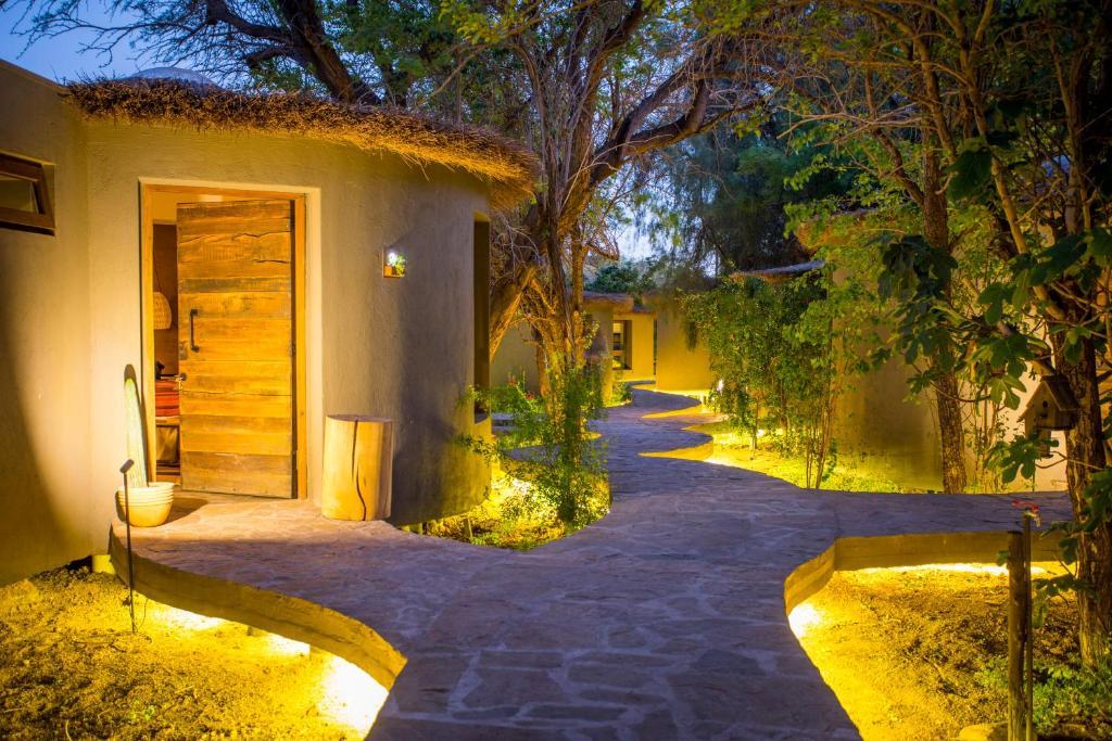Um jardim em Hotel Desertica