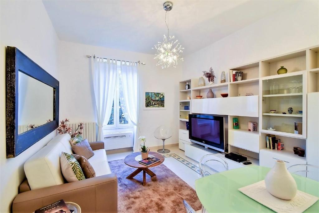 Astounding Apartment Trastevere Campo De Fiori Per 6 Rome Italy Frankydiablos Diy Chair Ideas Frankydiabloscom