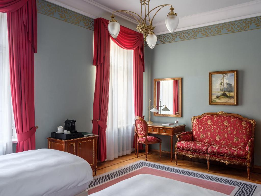 Гостиная зона в Отель Националь, The Luxury Collection, Москва