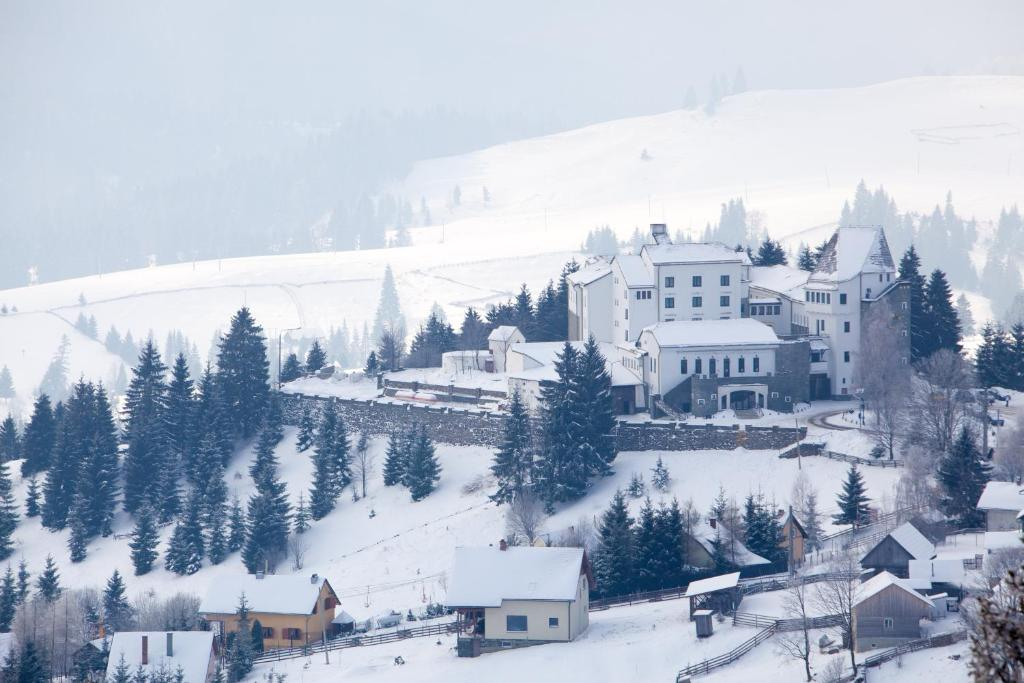 Hotel Castel Dracula during the winter