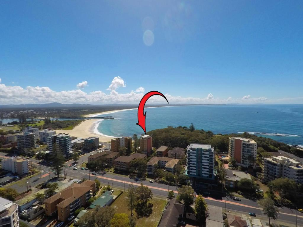 A bird's-eye view of Whitesands, Unit 602, 34-38 North Street