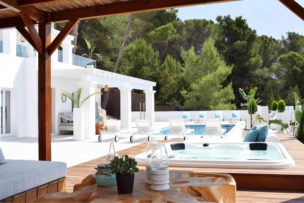 VILLA CHILL OUT (Spanje Es Cubells) - Booking.com
