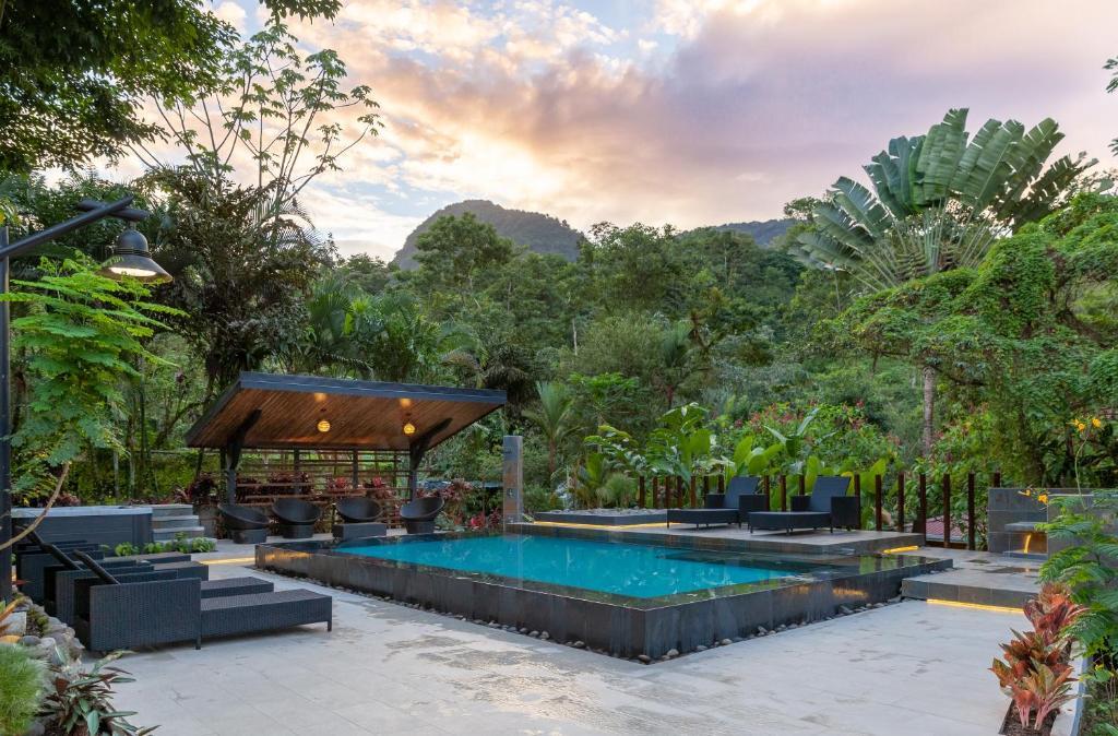 A piscina em ou perto de Tifakara Boutique Hotel & Birding Oasis