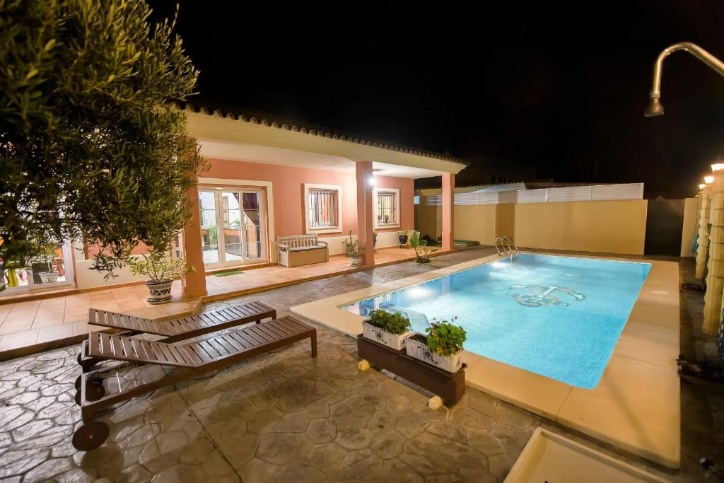 Villa Montijo, Chipiona, Spain - Booking.com