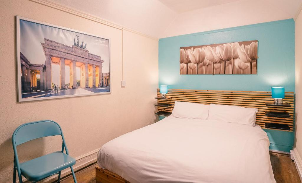 A bed or beds in a room at St Christopher's Inn Bath