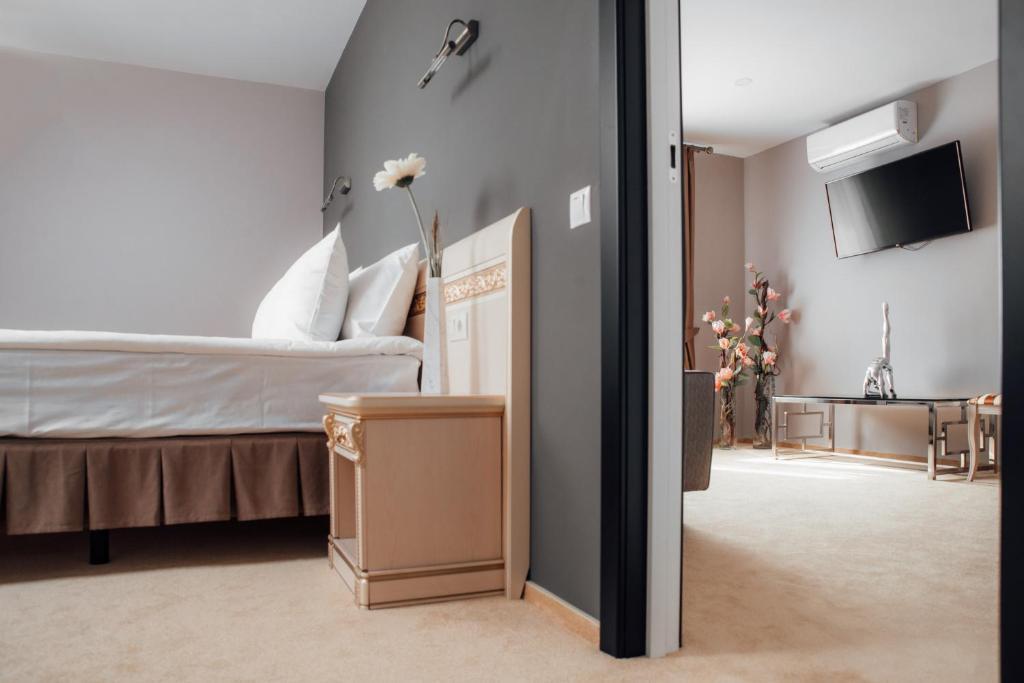 Кровать или кровати в номере Я-Отель