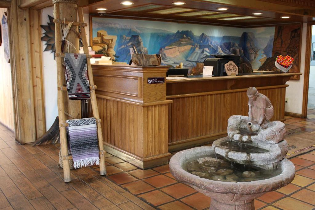 The lobby or reception area at Grand Canyon Inn and Motel