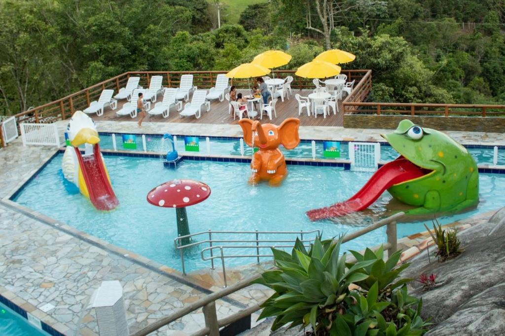 Uma vista da piscina em Pousada DuDuKa ou nos arredores