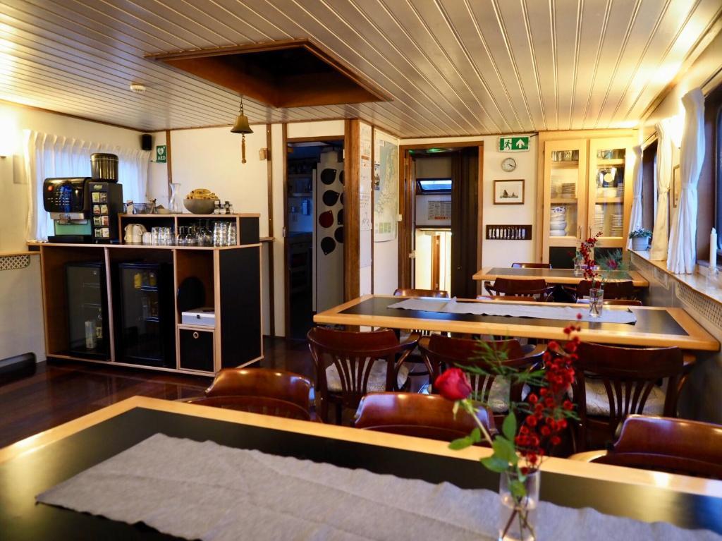 Hotelboat Sarah Amsterdam Prezzi Aggiornati Per Il 2020