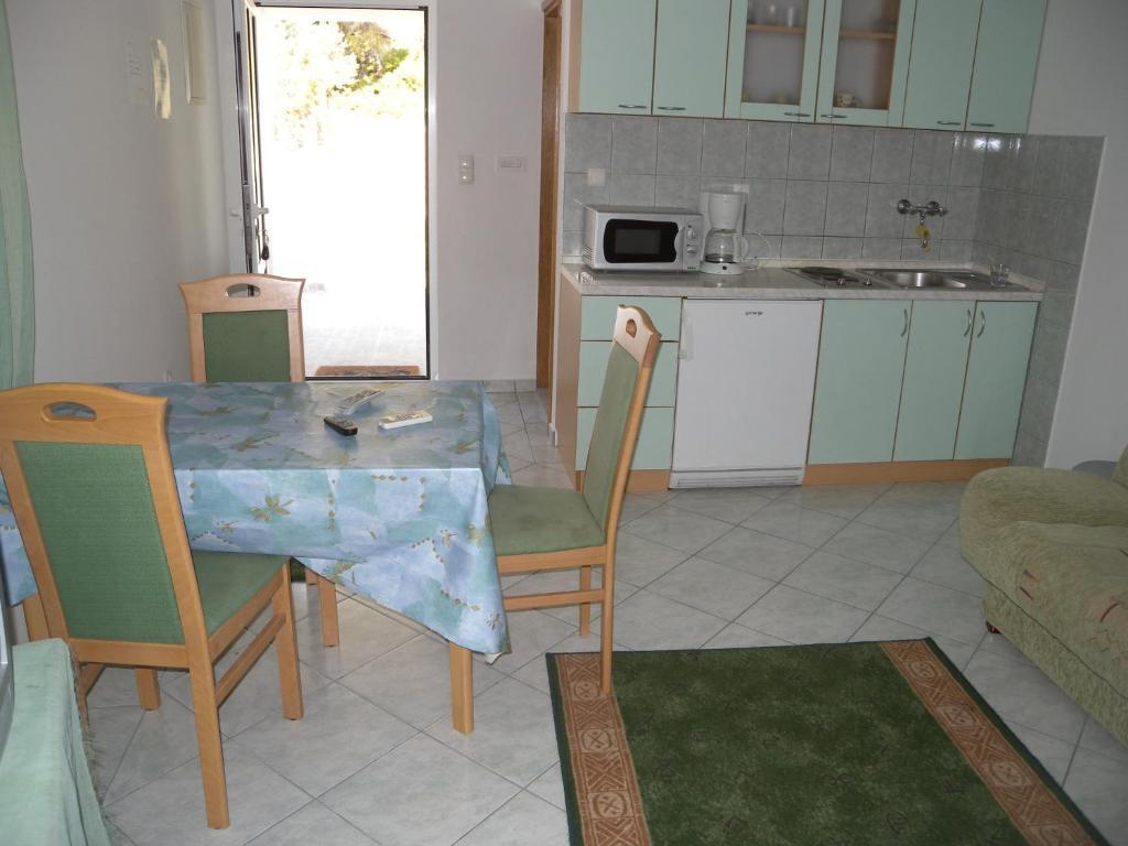 Kampor Apartment 4