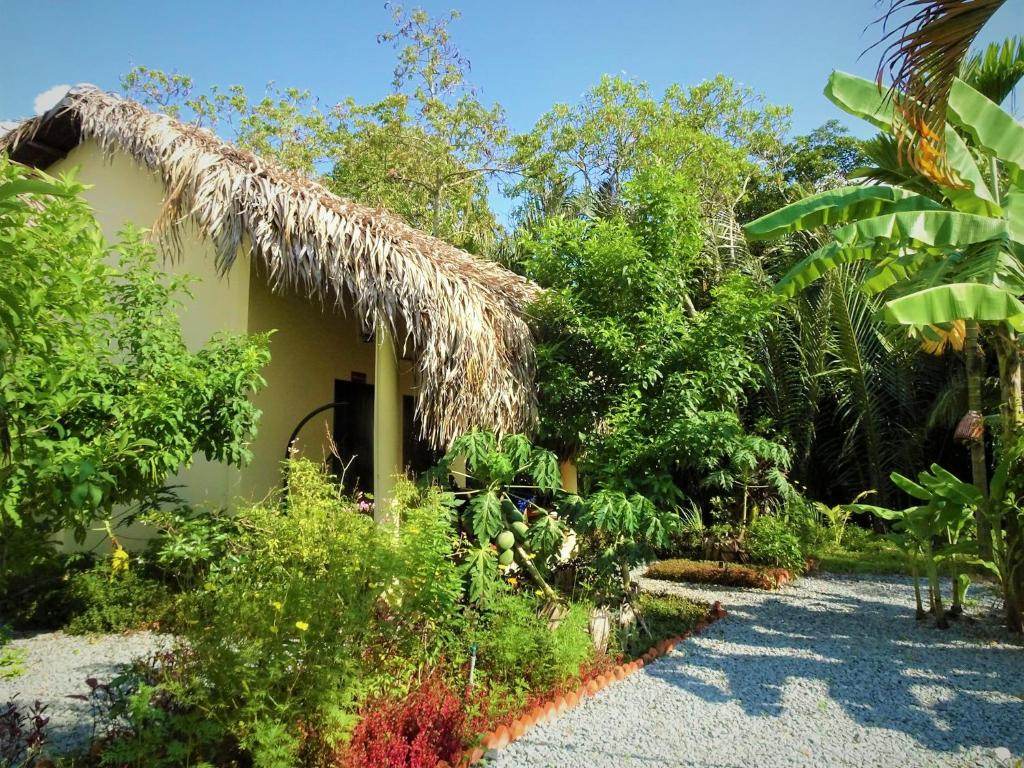 Mango Home Riverside