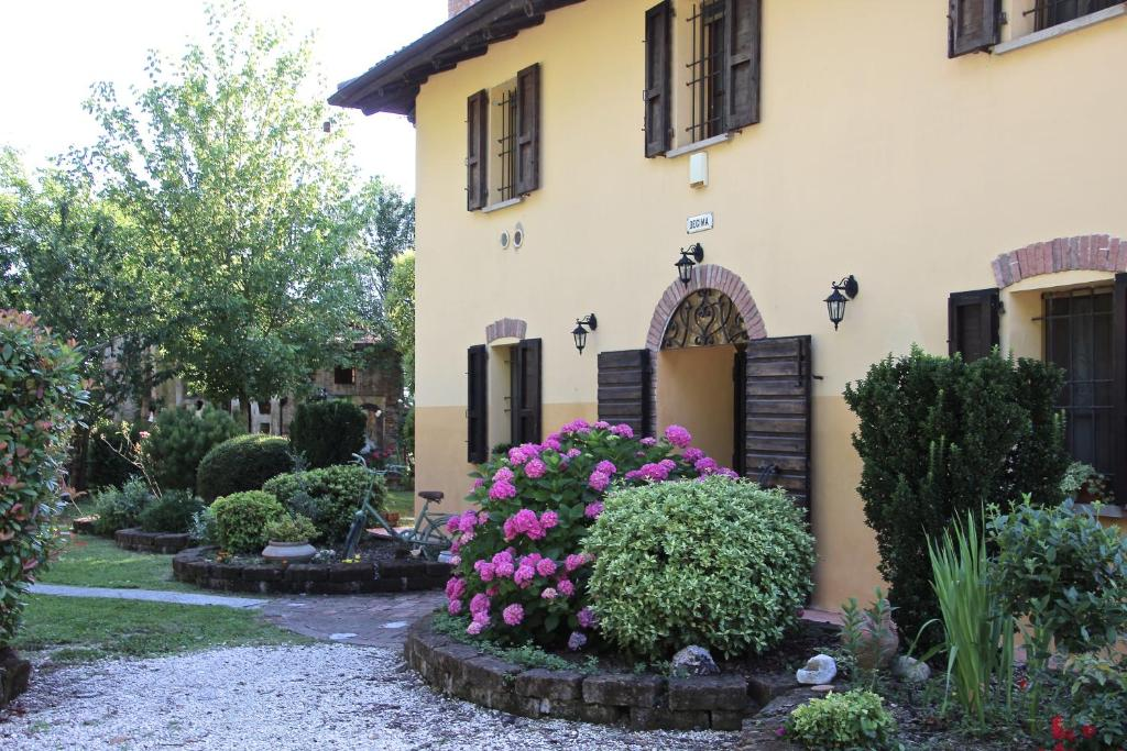 Temporary Outlet Mobili Bologna.Bed And Breakfast Casale La Decima Budrio Italy Booking Com