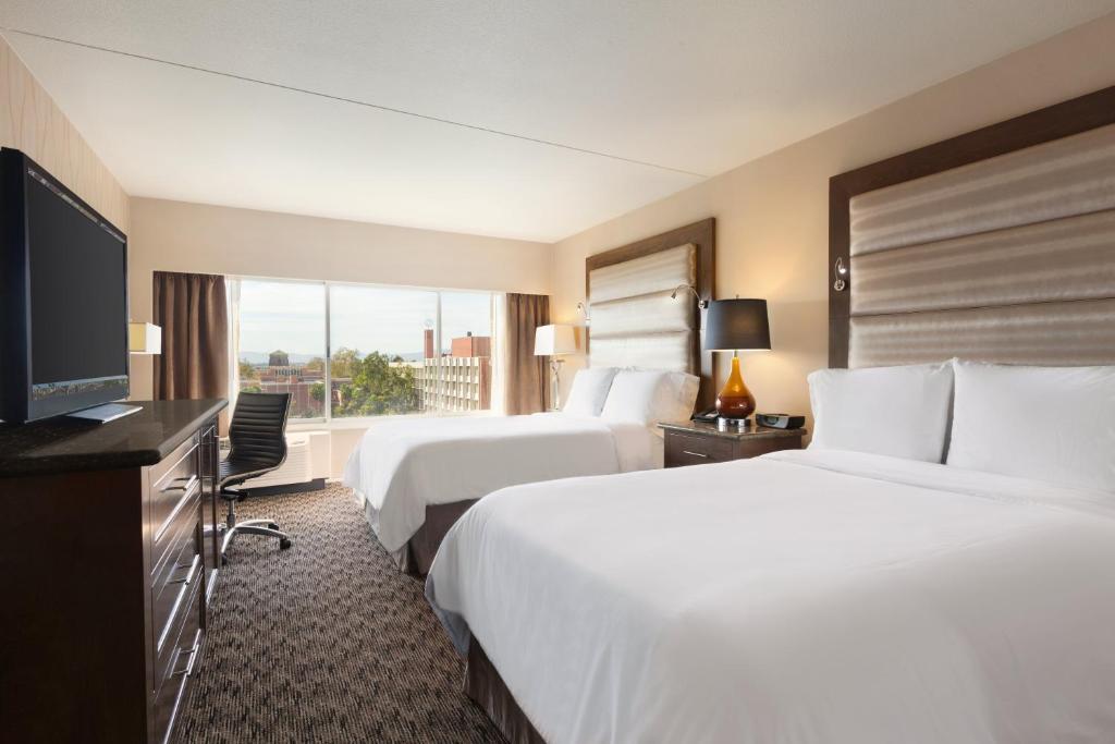 Radisson Hotel Los Angeles Midtown at USC