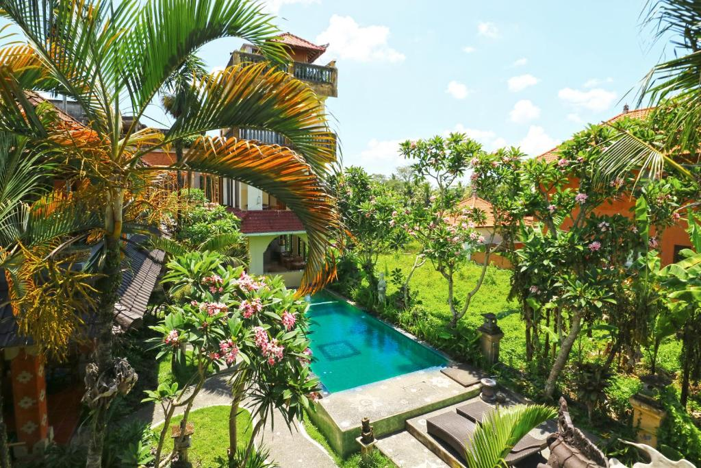 A view of the pool at Ubud Kerta City Hotel or nearby