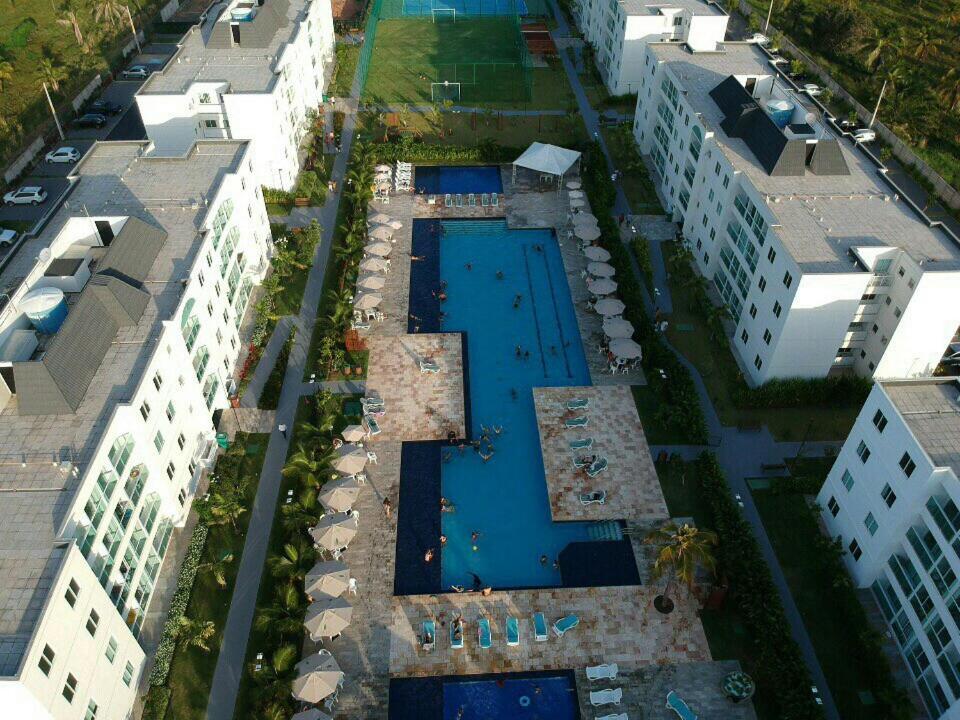 Uma vista aérea de Palm Village Aqua