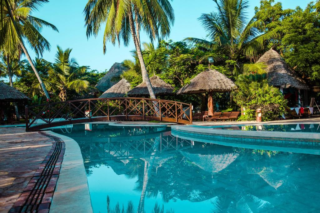 Uroa Bay Beach Resort (Tanzania Uroa) - Booking.com