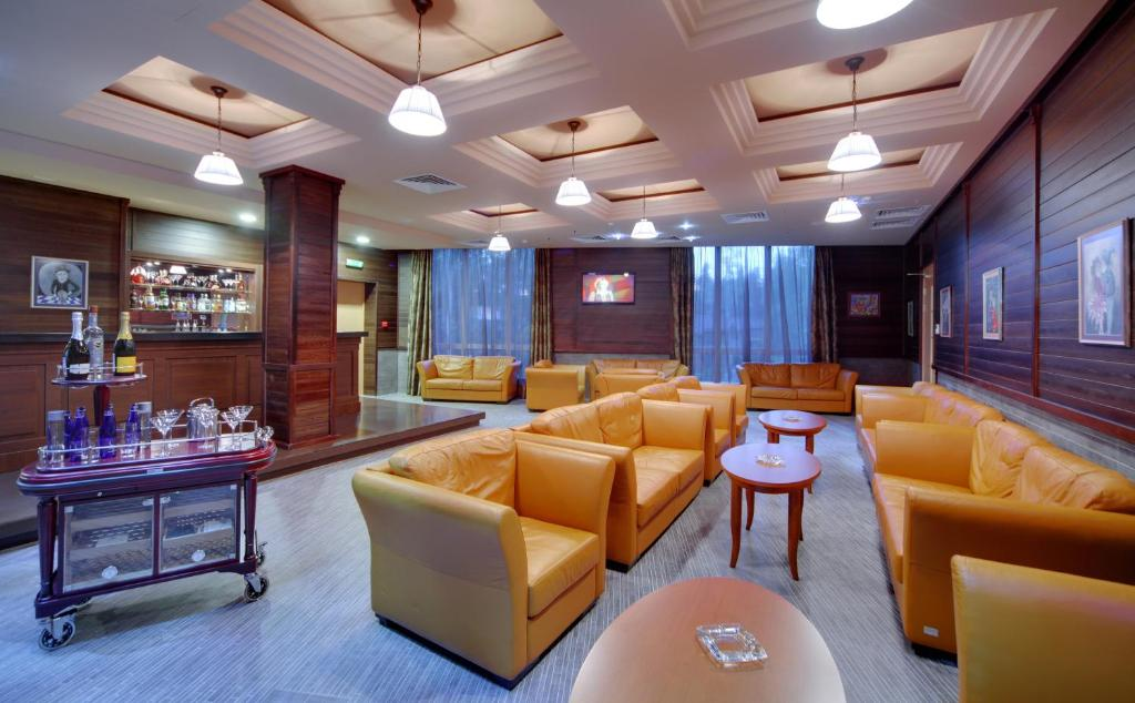The lounge or bar area at LES Art Resort