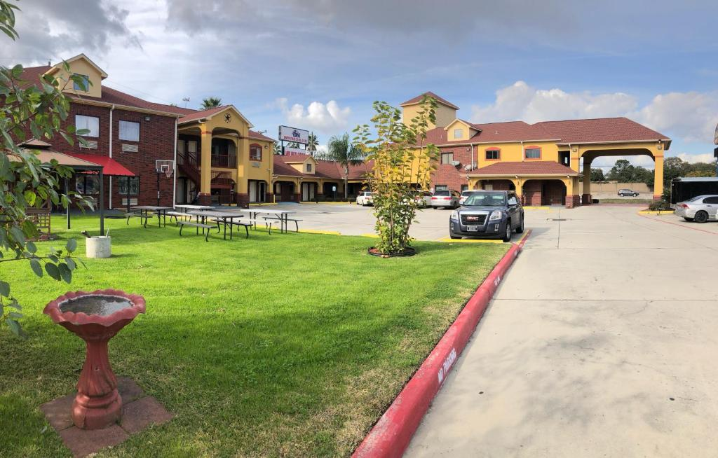 Raintree Inn and Suites