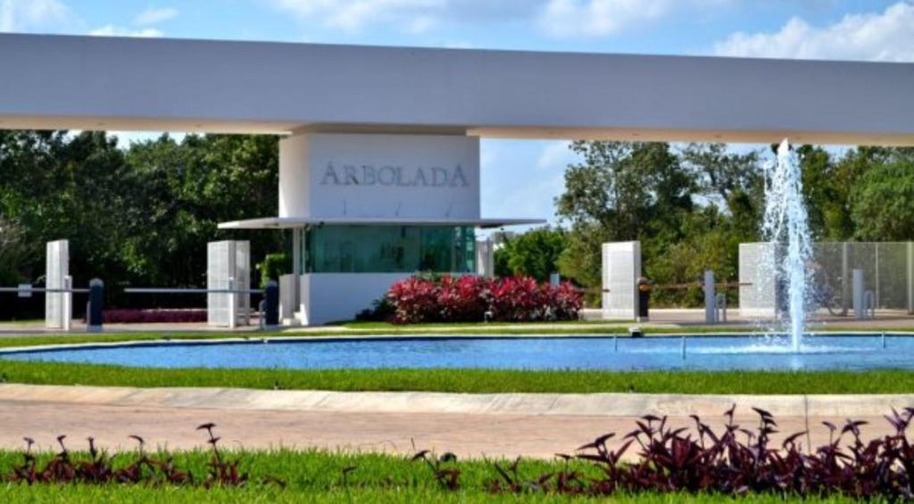 Magnifica Casa Con Alberca Y Terrazas Cerca Del Aeropuerto