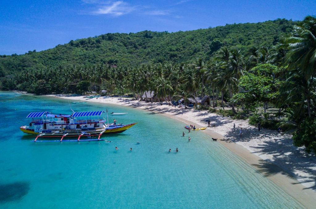 A bird's-eye view of All-inclusive island stay at the Tao Farm