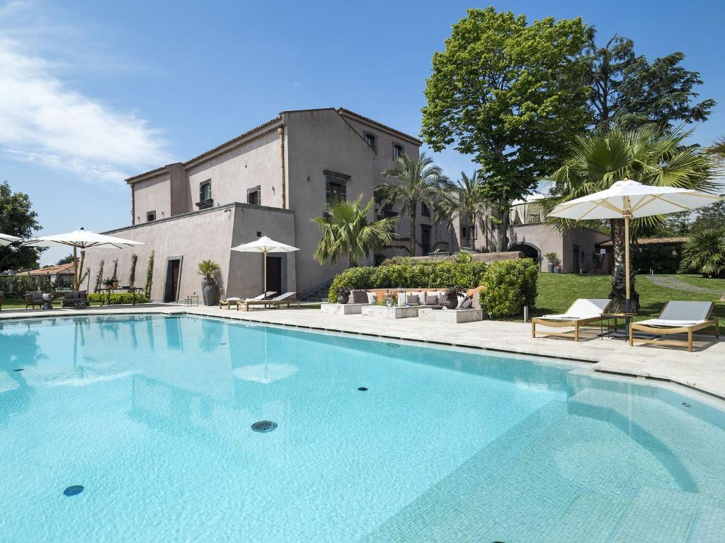 The swimming pool at or near Relais San Giuliano