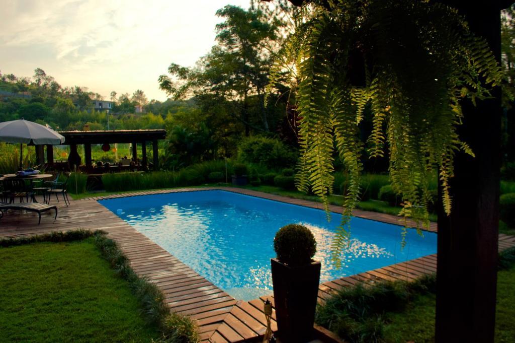A piscina localizada em Solar da Fenix ou nos arredores