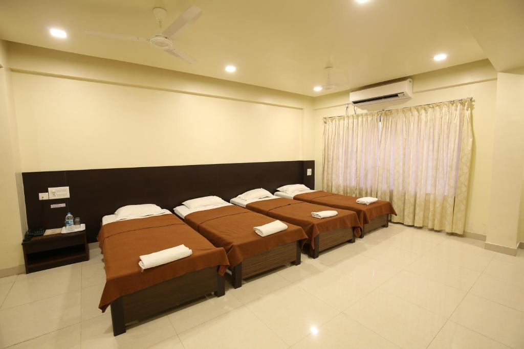 Koinor Eetbank Bottom.Hotel Kohinoor Square Kolhapur India Booking Com