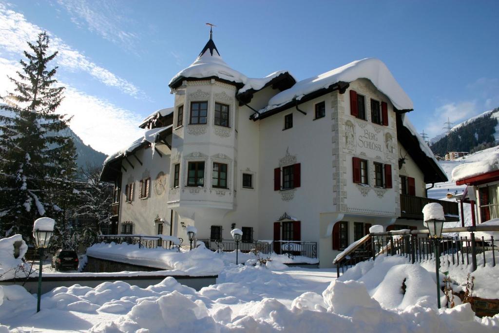 Bergschlössl during the winter