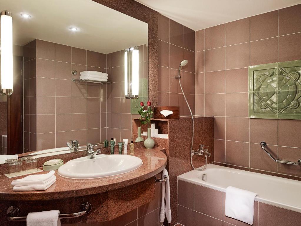 Phòng Hilton Executive 2 Giường đơn có quyền lui tới Executive Lounge