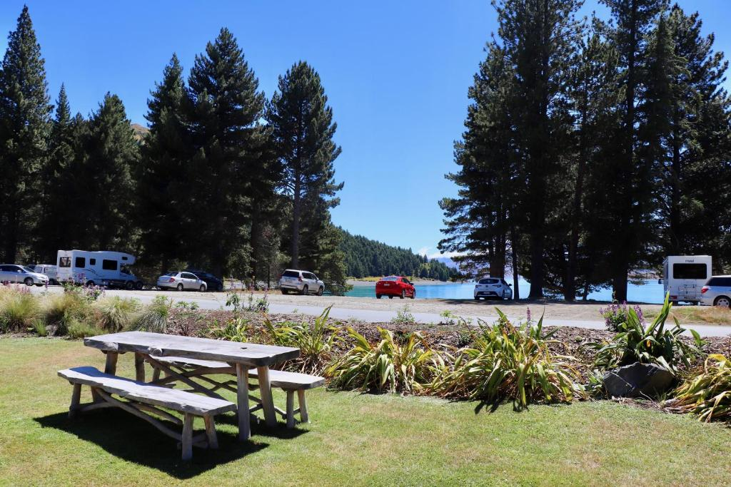 Fantastic Lakefront Lodge Backpackers Neuseeland Lake Tekapo Gmtry Best Dining Table And Chair Ideas Images Gmtryco