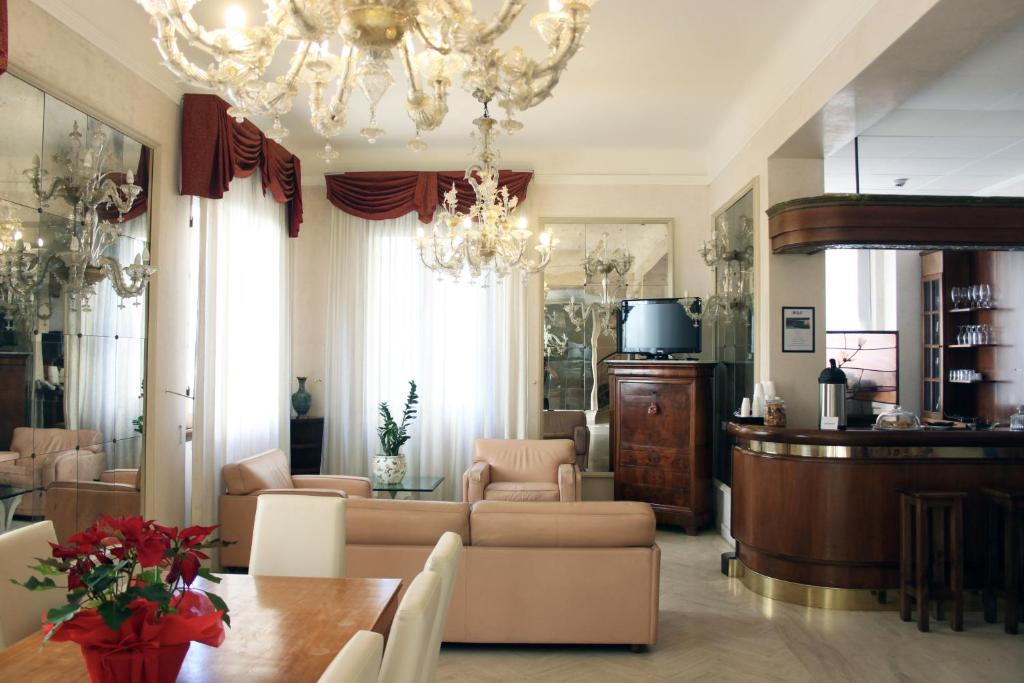 The lobby or reception area at c-hotels De Rose Palace