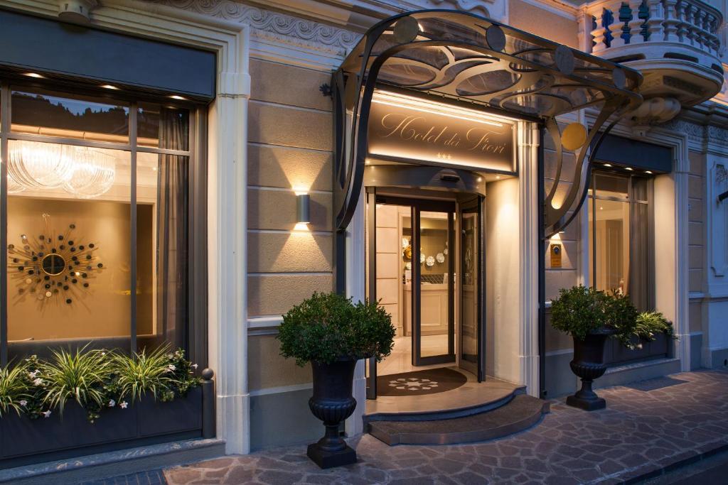 Hotel Dei Fiori.Hotel Dei Fiori Restaurant Alassio Italy Booking Com