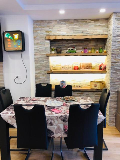 Cameretta Tana Del Lupo.Apartment La Tana Del Lupo Roccaraso Italy Booking Com
