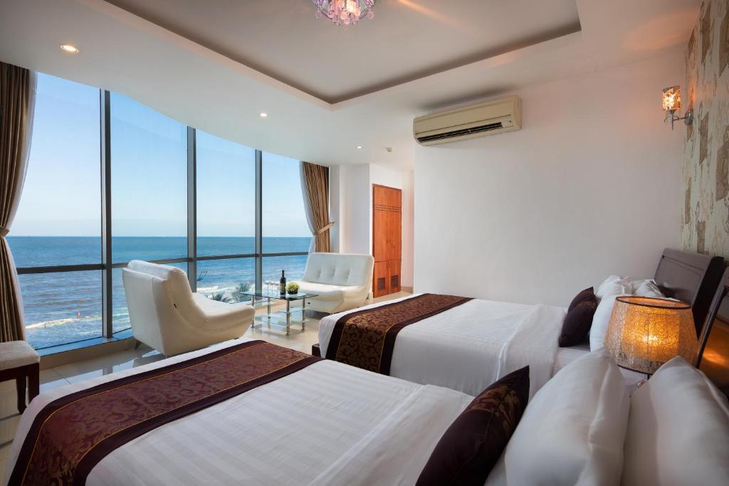 Phòng 3 Người Nhìn Ra Biển