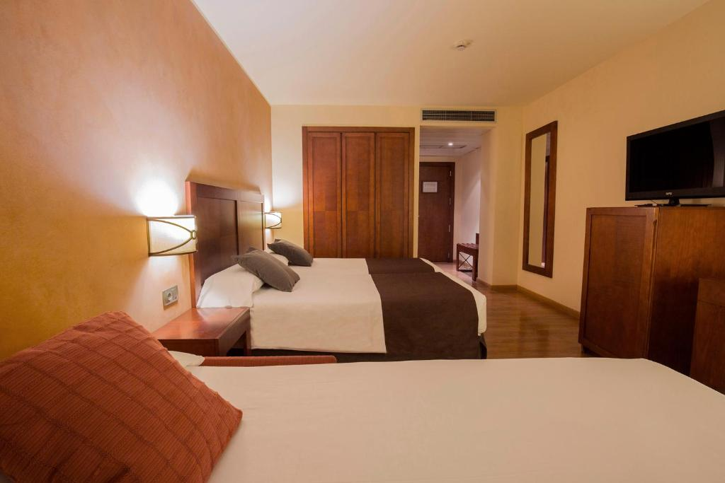 Hotel Magic Andorra (Andorra Andorra la Vella) - Booking.com