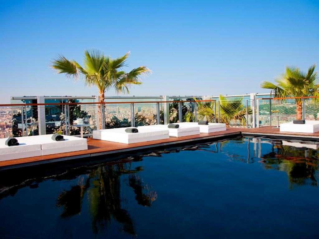 The swimming pool at or close to Renaissance Barcelona Fira Hotel