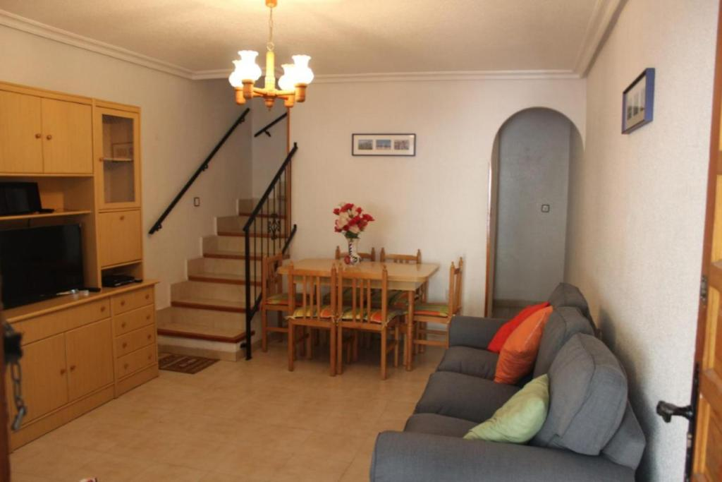 2 bed townhouse lo pagan