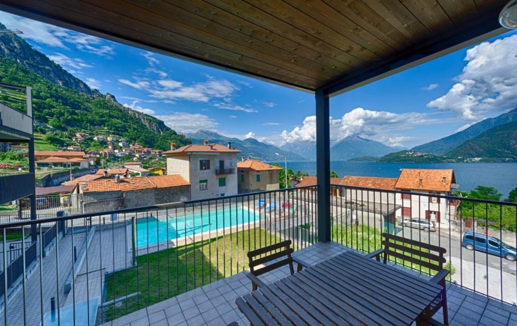 """A balcony or terrace at Luxury Residence """"The Wave"""" with Sauna and Pool"""