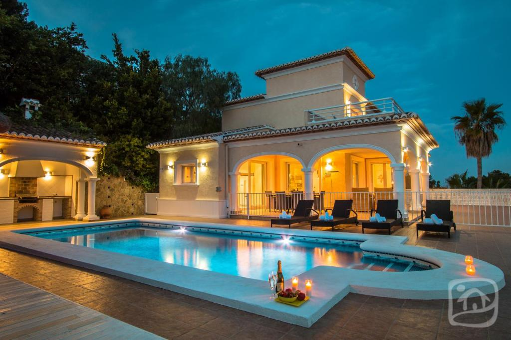 Abahana Villas Lou (Spanje Moraira) - Booking.com