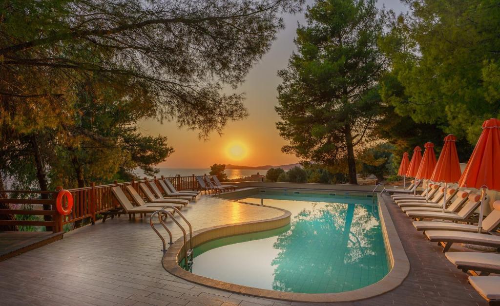 Πισίνα στο ή κοντά στο Rahoni Cronwell Park Hotel Adults Only