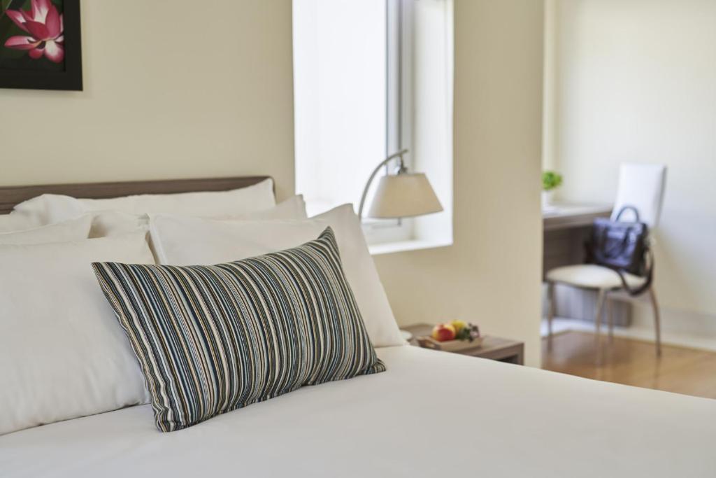 Suite Hạng Hoàng Gia 2 Phòng Ngủ Nhìn Ra Đồi - Bao Gồm Spa