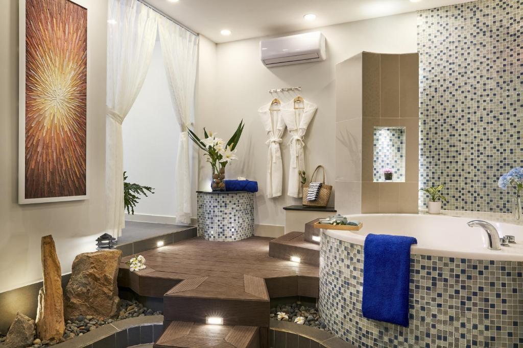 Suite Spa Nhìn Ra Đồi - Bao Gồm Spa