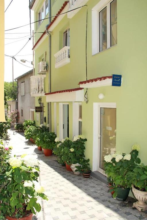 Kala Apartments