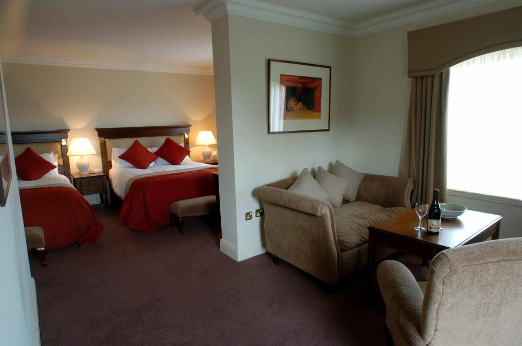 Hotels in Ennis. Book your hotel now! - potteriespowertransmission.co.uk