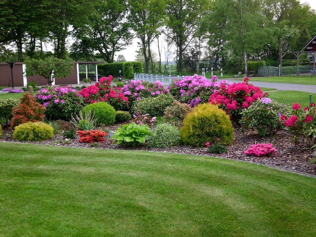 Ein Garten an der Unterkunft Ferienwohnung Hartmann