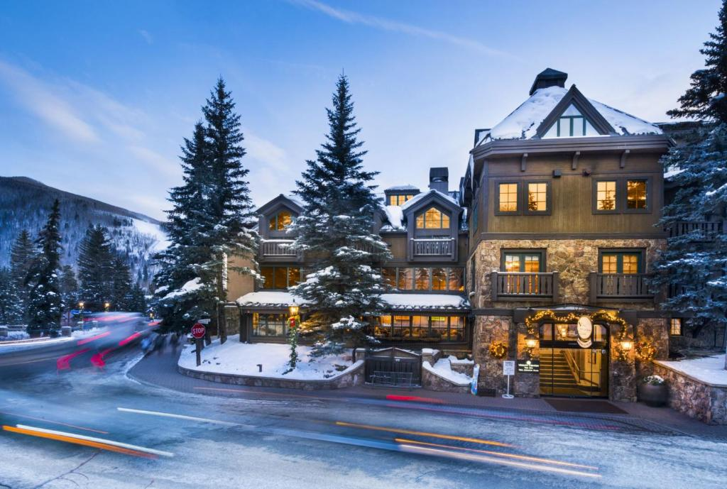 Vail Mountain Lodge & Spa during the winter