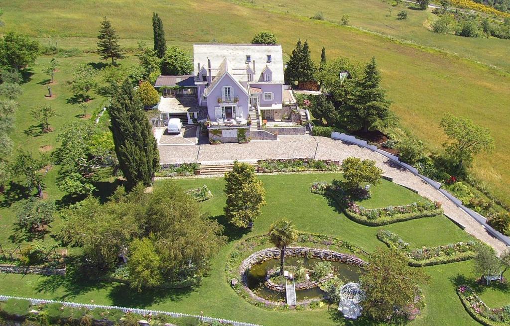 A bird's-eye view of La Casa di Mimma
