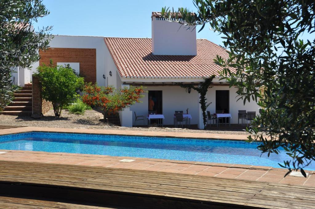 A piscina em ou perto de Cantar Do Grilo - Turismo Rural