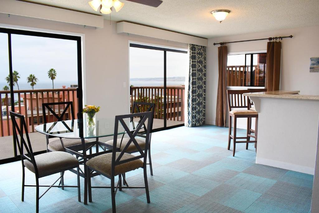 Brilliant Hotel La Jolla Cove Suites San Diego Ca Booking Com Theyellowbook Wood Chair Design Ideas Theyellowbookinfo